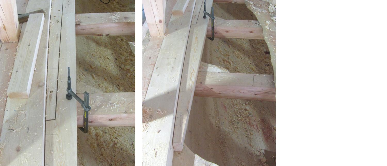 Venstre: Bildet viser hvordan dekksplanke nr. 2 fanger opp enden av den første planken utenfra. Høyre: Et stykke til høyre for dekksplankene kan vi se strekene vi har satt på bjelkene. Disse ligger i hva vi syntes var en fin kurve, og som vi holder oss parallelt til.