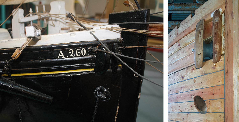 Høyre: Ørene og baugrullen på plass om bord. Venstre: Bildet viser det samme på modellen.